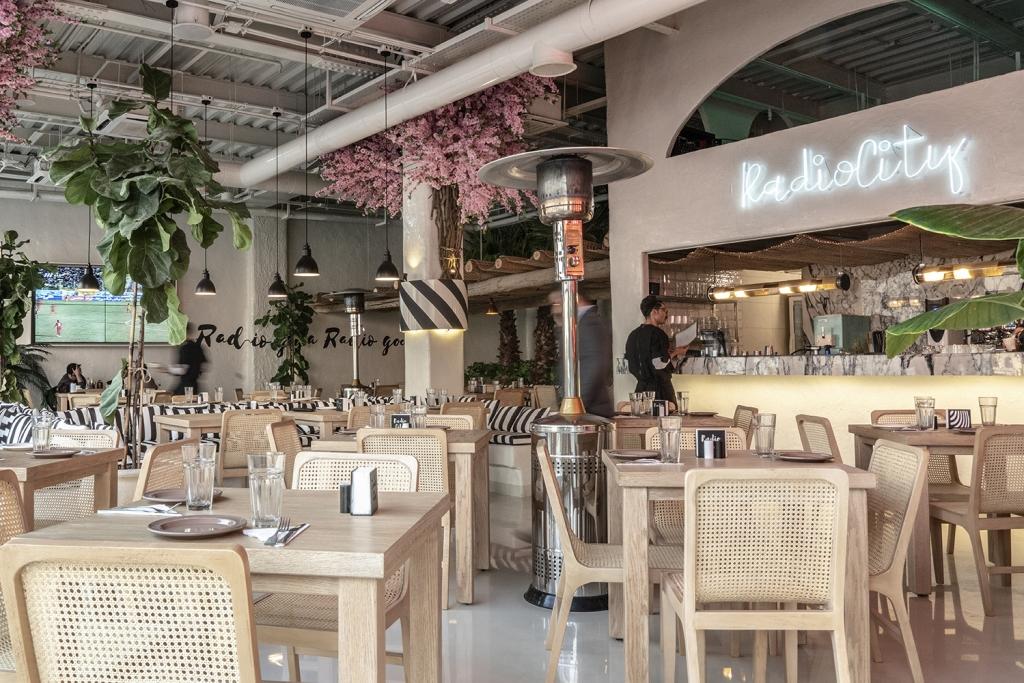 radiocity restaurant by Nakhaei studio
